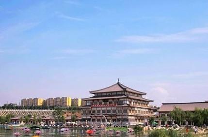陕西/曲江池遗址公园位于南郊曲江池村。...