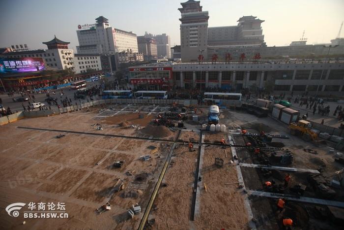 西安/图片:2010年11月7日,西安曲江唐城墙遗址公园鸟瞰。.JPG